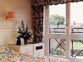 Отель Monkbar